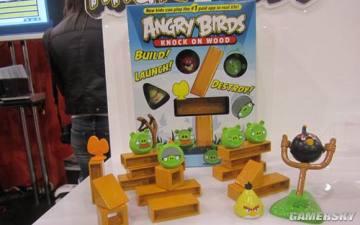 hot小游戏《恼怒的小鸟》真实版桌游亮相